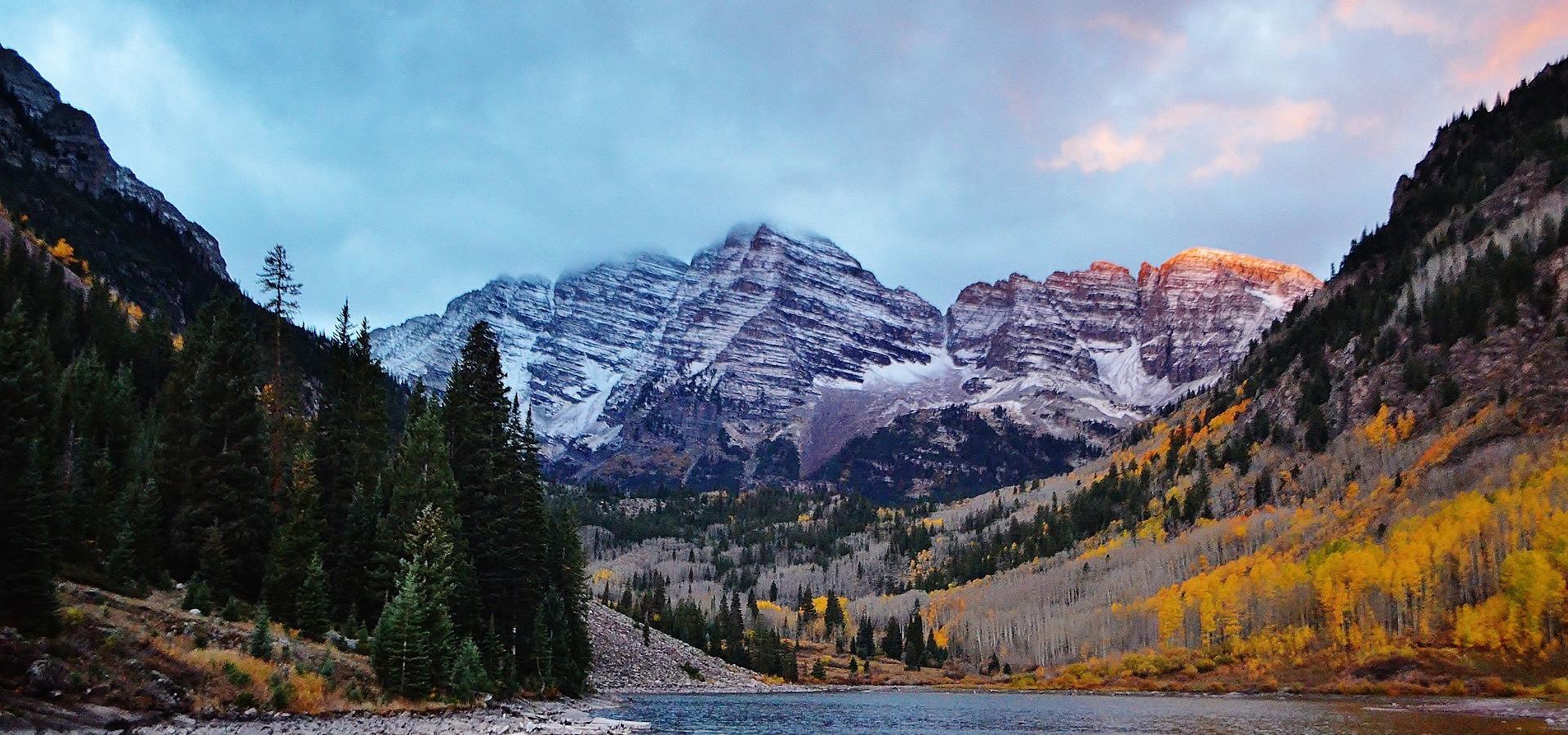 View of Aspen Colorado over lake